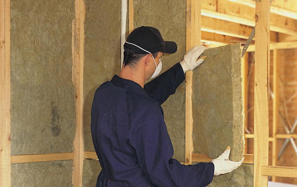 Пирог внутренних стен каркасного дома делают без пароизоляции на фото.