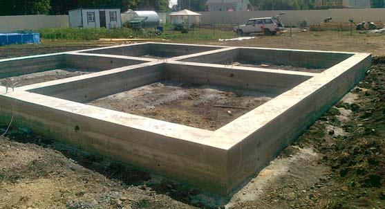 Ленточный фундамент из бетона фото.