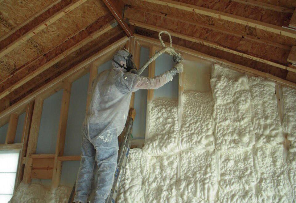 Качественное утепление стен каркасного дома пенополиуретаном самостоятельно на фото.