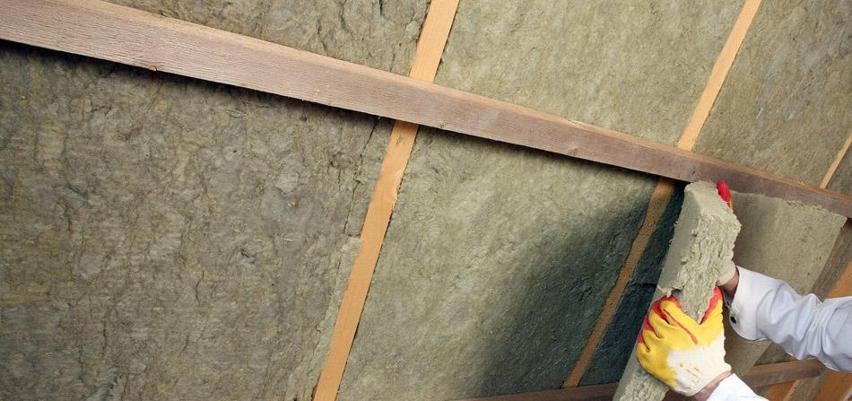 Утепляем стены каркасного дома минеральной ватой своими руками на фото.