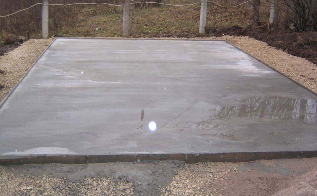 Каркас делается на монолитной бетонной плите.