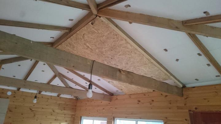 Как правильно обшить крышу панелями.