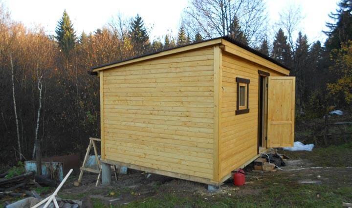 Готовый проект постройки в лесу на фото.