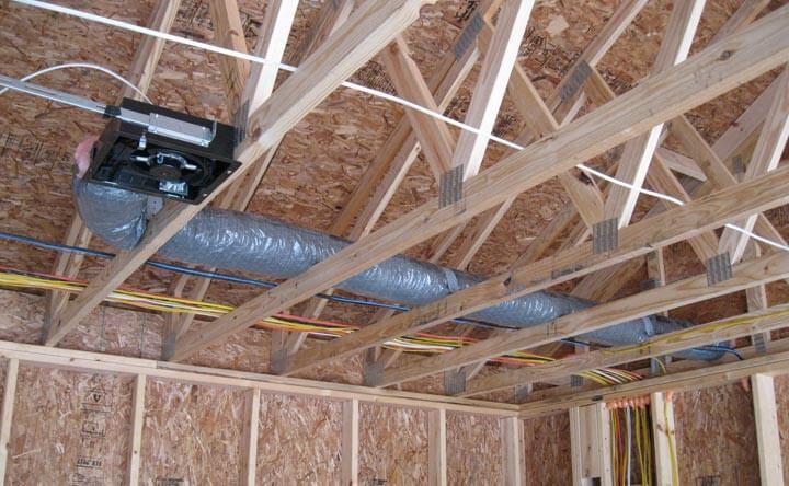 Необходима ли вентиляция в каркасном доме.