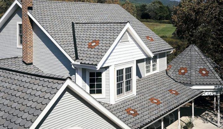 Монтаж производят на каркасной крыше любой сложности.